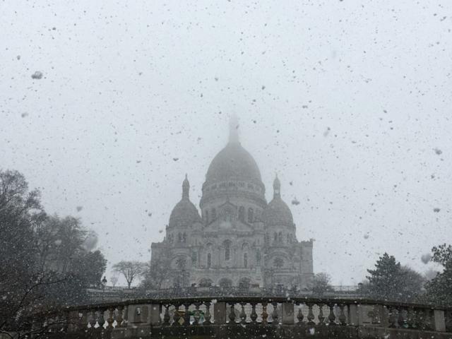 Basilique du Sacré-Cœur sous la neige